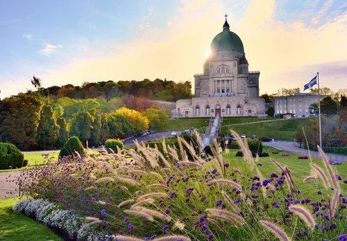 蒙特利尔皇家山上的圣约瑟芬大教堂是加拿大最大的
